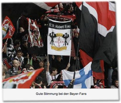 """""""R.I.P. Robert Enke"""" - Gute Stimmung bei den Bayer-Fans"""