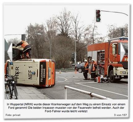 In Wuppertal (NRW) wurde dieser Krankenwagen auf dem Weg zu einem Einsatz von einem Ford gerammt! Die beiden Insassen mussten von der Feuerwehr befreit werden. Auch der Ford-Fahrer wurde leicht verletzt