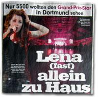 Lena (fast) allein zu haus.