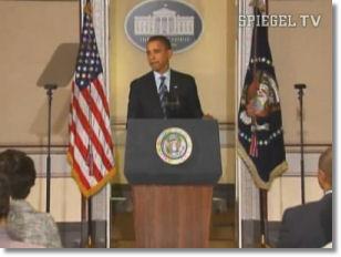 Ein funktionierender Teleprompter, US-Präsident Barack Obama und ein defekter Teleprompter (von links).