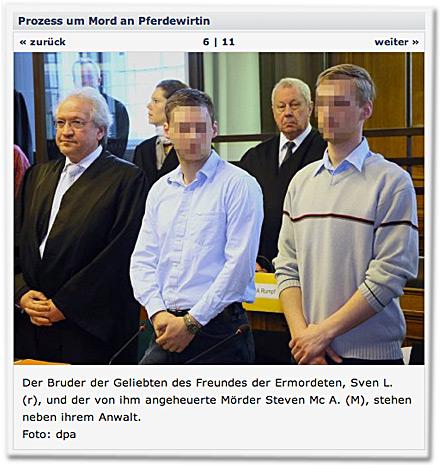 Der Bruder der Geliebten des Freundes der Ermordeten, Sven L. (r), und der von ihm angeheuerte Mörder Steven Mc A. (M), stehen neben ihrem Anwalt.