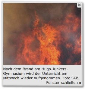 Nach dem Brand am Hugo-Junkers-Gymnasium wird der Unterricht am Mittwoch wieder aufgenommen. Foto: AP