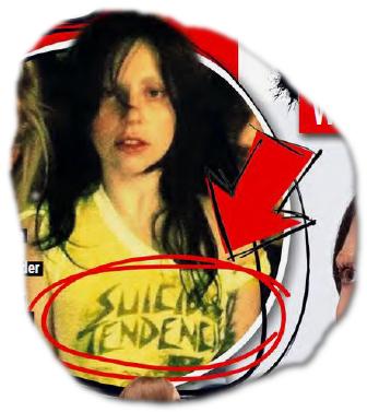 """[Foto von Lady Gaga, auf dem sie ein Shirt mit der Aufschrift """"Suicidal Tenencies"""" trägt]"""